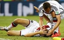 """""""Cầu thủ Đức bị kiệt sức vì quá nóng"""""""