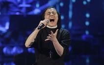 Khi bà sơ hát