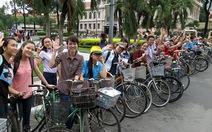 Đạp xe tham quan Sài Gòn chỉ với 20.000 đồng