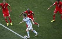 """""""Toàn đội Argentina phải phục vụ Messi"""""""