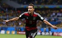 """Miroslav Klose phá kỷ lục của """"Người ngoài hành tinh"""" Ronaldo"""