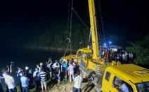 Xe buýt Trung Quốc đâm xuống ao, 8 trẻ mẫu giáo thiệt mạng
