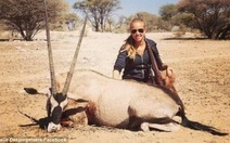 Mất hợp đồng quảng cáo cho L'Oréal vì ảnh săn bắn động vật