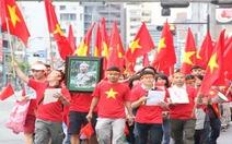 Clip Du học sinh tại Nhật tuần hành phản đối Trung Quốc