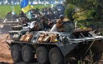 """Đạn pháo ầm trời Ukraine, Nga cảnh báo """"hậu quả không thể đảo ngược"""""""