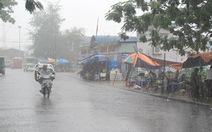 Mưa to gió lớn, Hải Phòng hoãn họp chống bão Rammasun