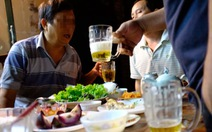 Đề xuất cấm bán rượu bia sau 22g