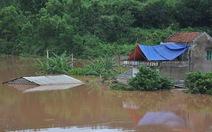 11 người chết, 2 người mất tích trong mưa lũ