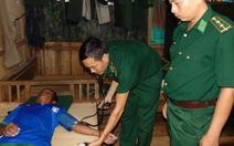 Cứu sống 4 ngư dân Campuchia gặp nạn trên biển