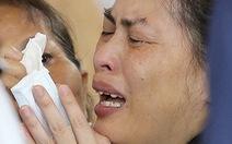 Máy bay rơi ở Đài Loan: Thân nhân hành khách phẫn nộ