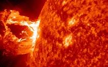 Trái đất suýt trúng siêu bão mặt trời
