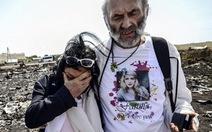 Video bố mẹ nạn nhân MH17 đến Ukraine tìm con