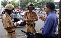 Quay camera tống tiền cảnh sát giao thông