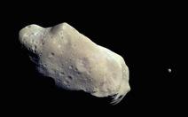 Thiên thạch đe dọa trái đất chống lại lực hấp dẫn