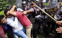 Cảnh sát Indonesia xịt hơi cay giải tán người biểu tình