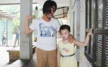 Xúc động chia tay người già, trẻ em tại chùa Bồ Đề