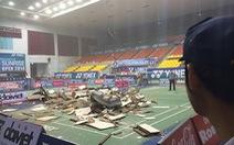 Hoảng loạn vì sập trần nhà thi đấu Phan Đình Phùng