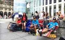 Một ngày công nghệ 4-9: xếp hàng dành chỗ mua iPhone 6