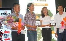 Vũ Thị Hương, Trần Huệ Hoa nhận quà hơn 30 triệu đồng từ Tissot