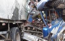 Xe tải đâm đuôi xe tải, phụ xe tử vong