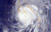 Bão còn cách Hoàng Sa 480km, gió giật cấp 15,16