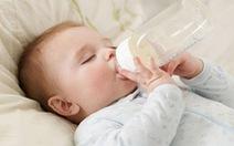Cách phòng ngừa trẻ bị sâu răng do bú bình
