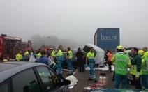 150 xe tông đuôi nhau ở Hà Lan, 28 người thương vong