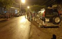 Dân chặn xe đòi...sổ đỏ