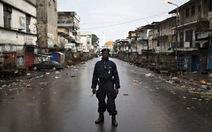 Sierra Leone phát hiện thêm 70 thi thể nạn nhân Ebola