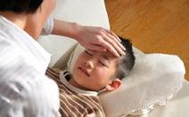 Cách xử trí hợp lý khi trẻ bị sốt