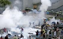 Hong Kong tê liệt vì biểu tình