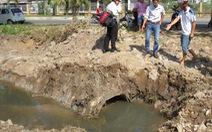 Cống thoát nước mưa đưa ra nước... ô nhiễm!