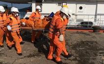 Bàn giao thi thể hai ngư dân Campuchia bị nạn trên biển