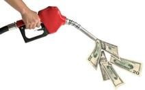 Hai tác động khi xăng dầu giảm giá