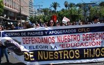 Hàng chục ngàn người Chile biểu tình chống cải cách giáo dục