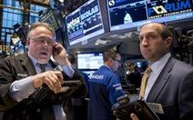 Dầu tăng lên 82 USD/thùng, phục hồi niềm tin giới đầu tư