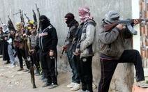 IS hành quyết 220 người và chôn tập thể
