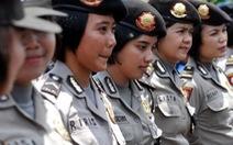 """Sốc với màn """"kiểm tra trinh tiết"""" thi tuyển cảnh sát Indonesia"""