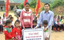 Tài trợ cho cô giáo nhận nuôi trò nghèo
