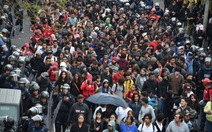 Biểu tình rung chuyển Mexico, người biểu tình tấn công cảnh sát