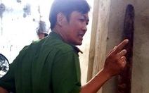 Thiếu tá công an rút súng dọa bắn tại UBND huyện
