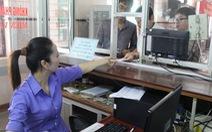 Cửa bán vé tàu điện tử tại ga Vinh gặp sự cố
