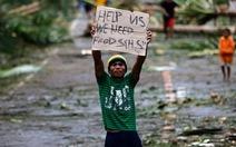 BãoHagupit suy yếu nhưng vẫn còn nguy hiểm