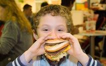 Thức ăn nhanh: ảnh hưởng cả đôi đường