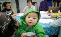Đưa bé7 tháng tuổibị bỏ rơi vào Làng trẻ SOS