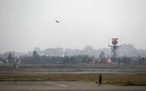 Máy bay Ấn Độ cháy động cơ vì va phải chim