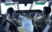 Tìm máy bay AirAsia ở độ sâu 40-50m