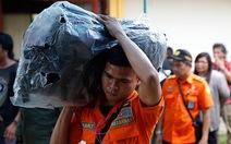 Tìm kiếm máy bay QZ8501, phát hiện nhiều thi thể trên biển Java