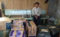 Gần 100 cảnh sát tấn công điểm chứa thuốc lá lậu