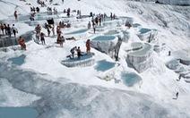 Đi tắm hồ giữa mùa đông lạnh giá